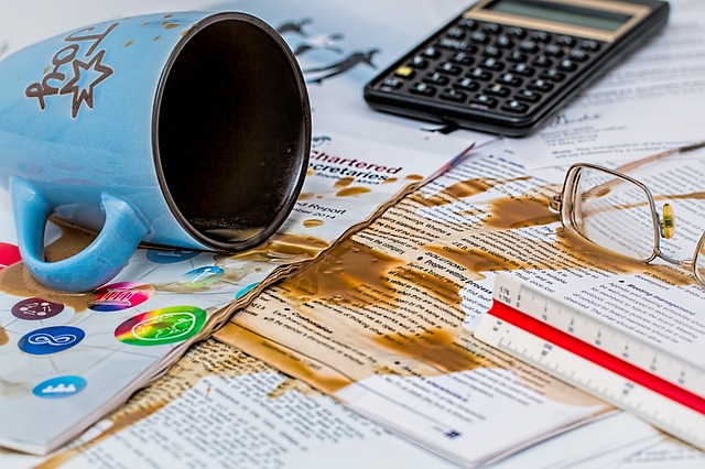 10 Bookkeeping Mistakes that's Costing YOU